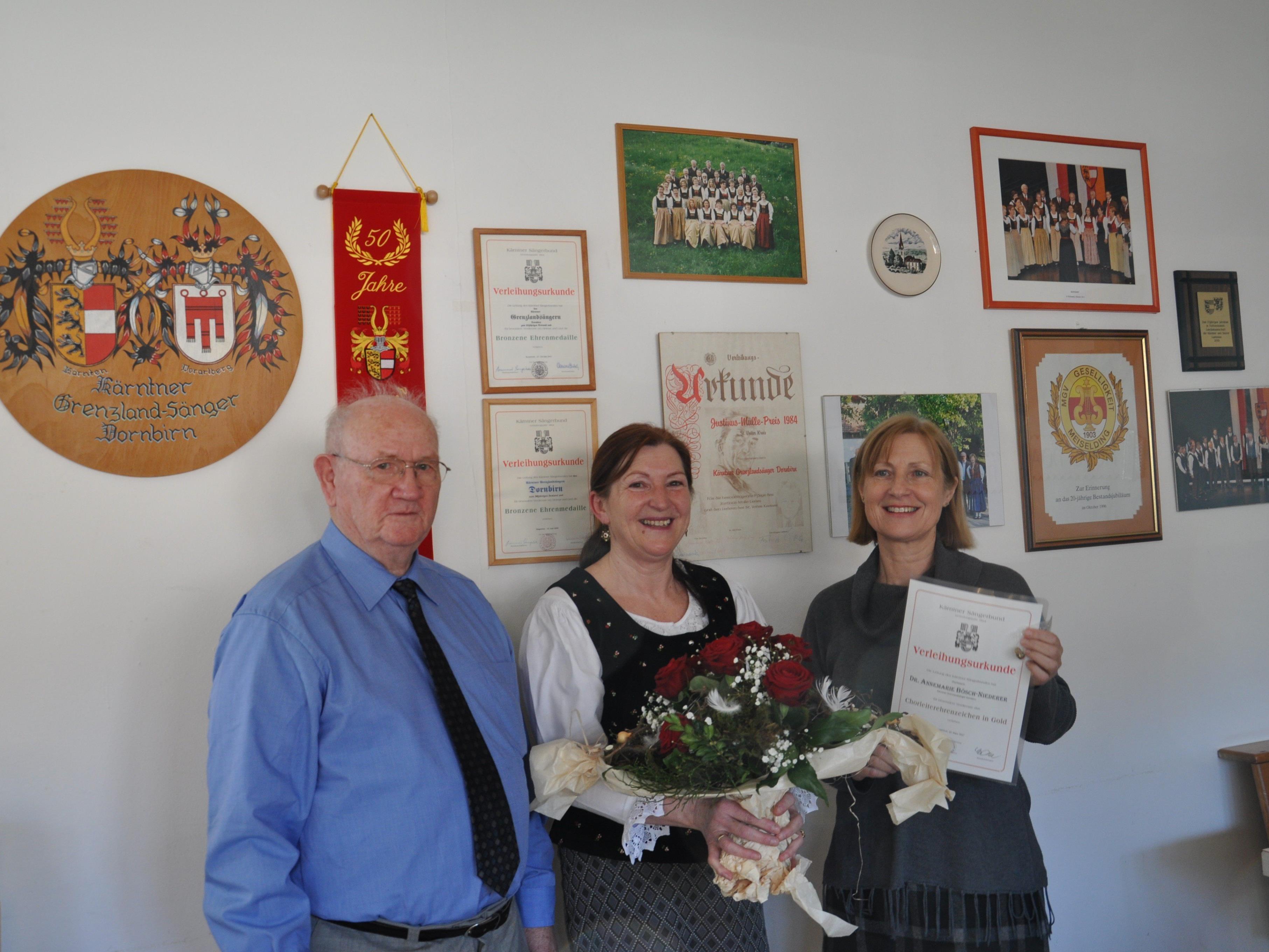 Grenzlandsänger: EO Fritz Schabus, Obfrau Margit Halbeisen, Chorleiterin Dr. Annemarie Bösch-Niederer