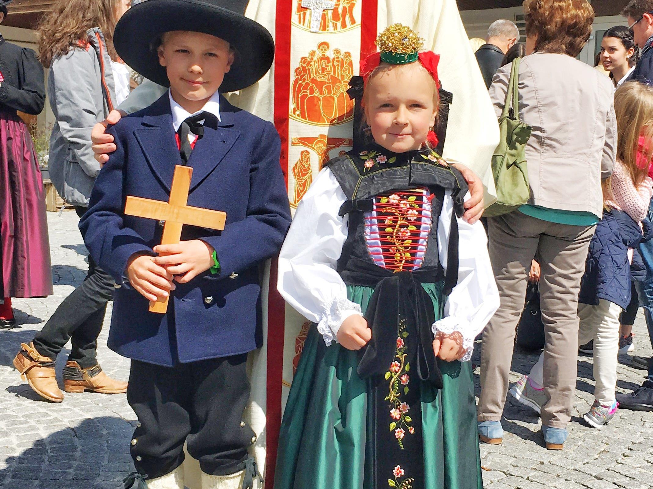 Die Montafoner Tracht ist bei der Erstkommunion in Schruns bereits Tradition.