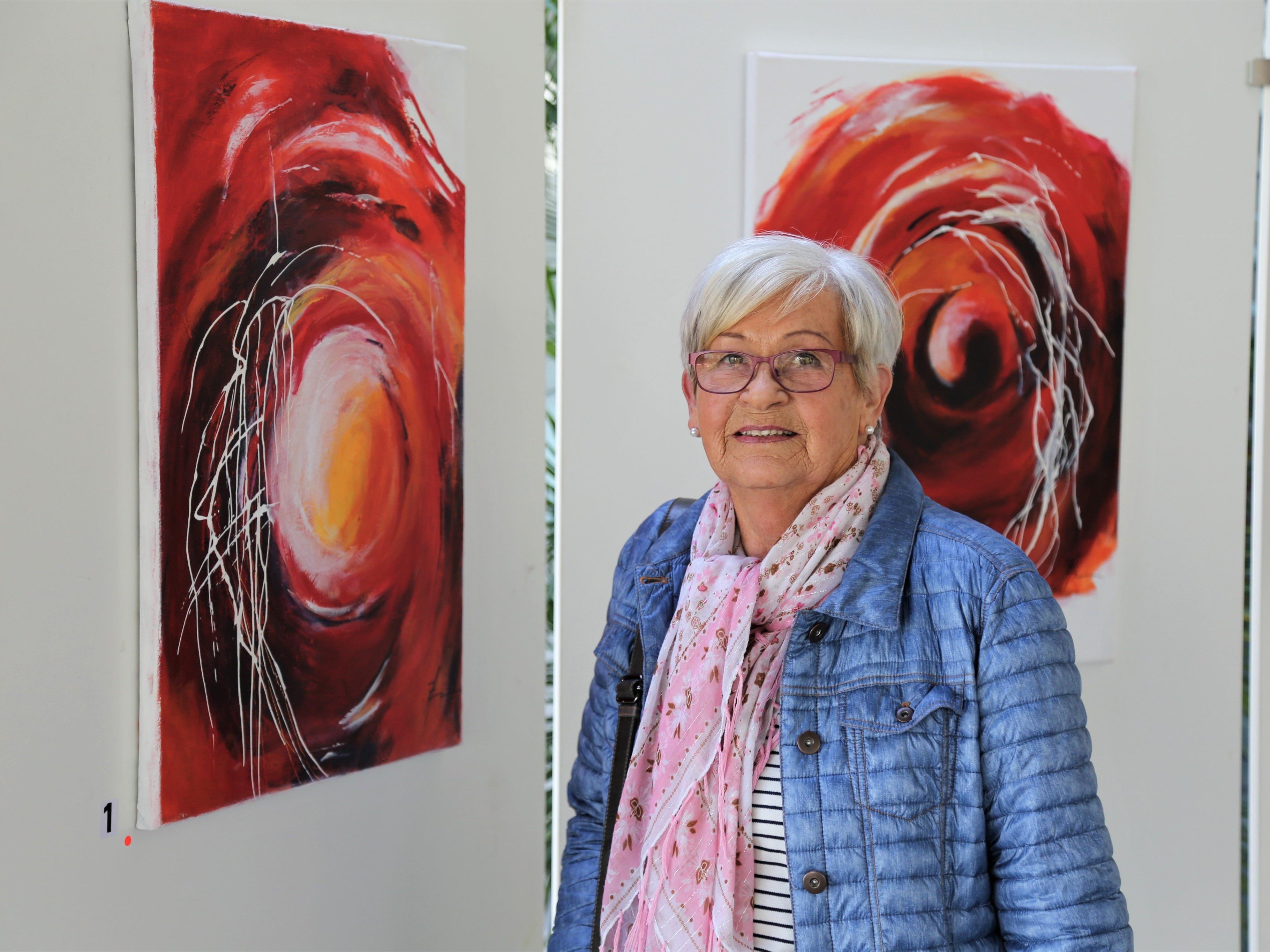 """Ausstellung: """"Farbträume"""" von Annemarie Zündel."""