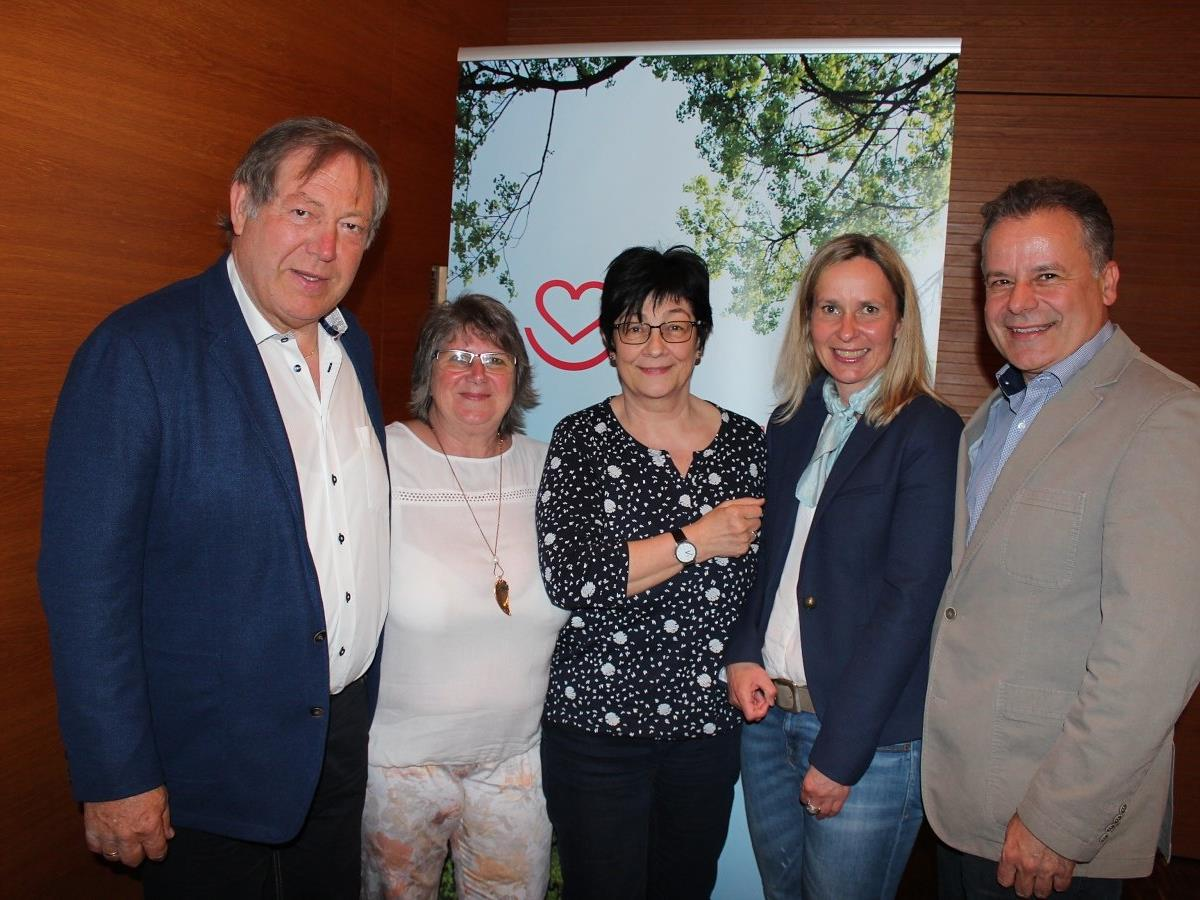 Helmut Leite, Waltraud Bayer, Elisabeth Raid, Sabine Visintainer und Referent Norbert Schnetzer.