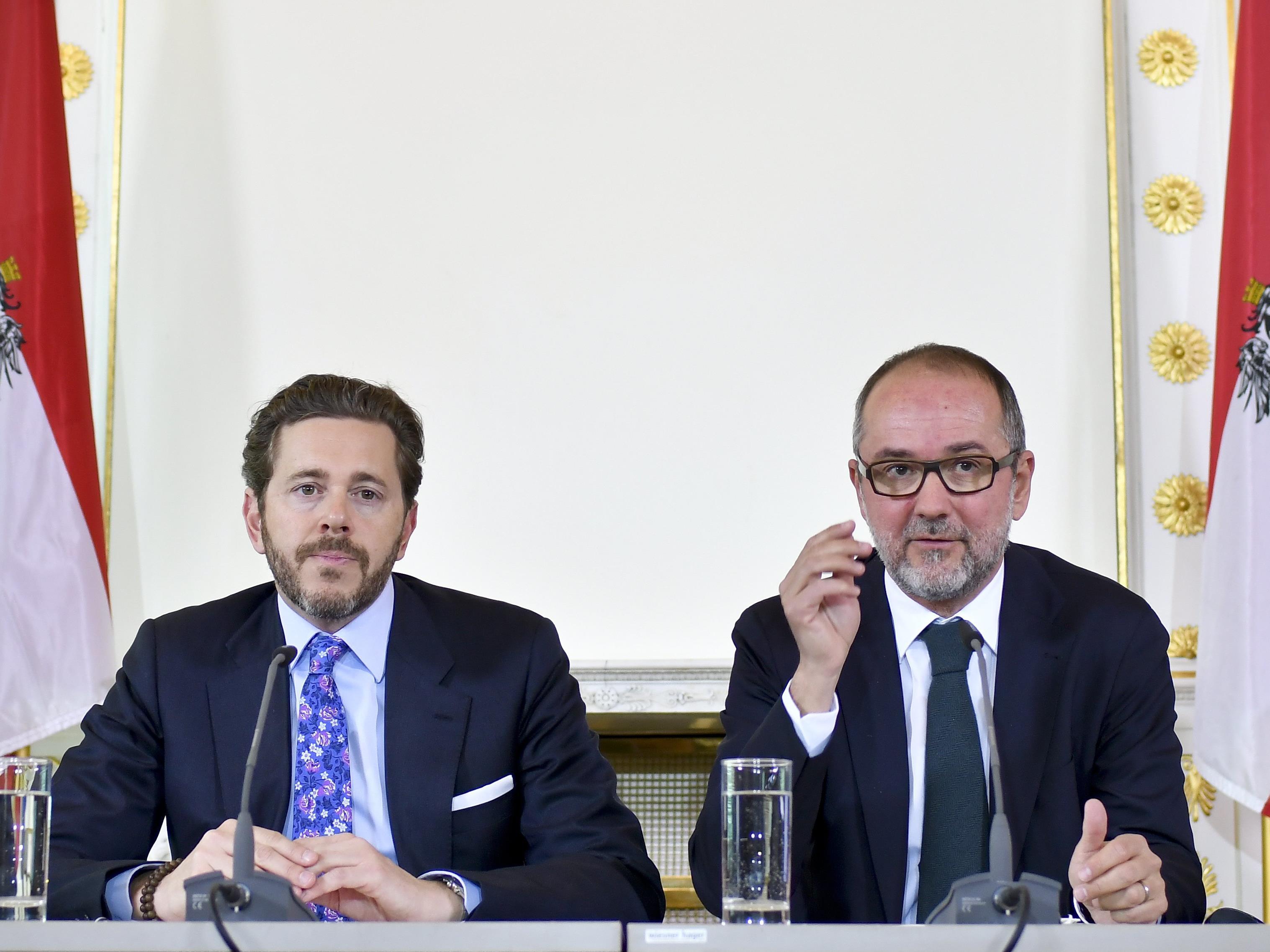 Die Regierungskoordinatoren Sts. Harald Mahrer (L/ÖVP) und BM Thomas Drozda (SPÖ).