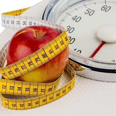 Strenge Diät an nur einem Tag hilft bereits beim Abnehmen.