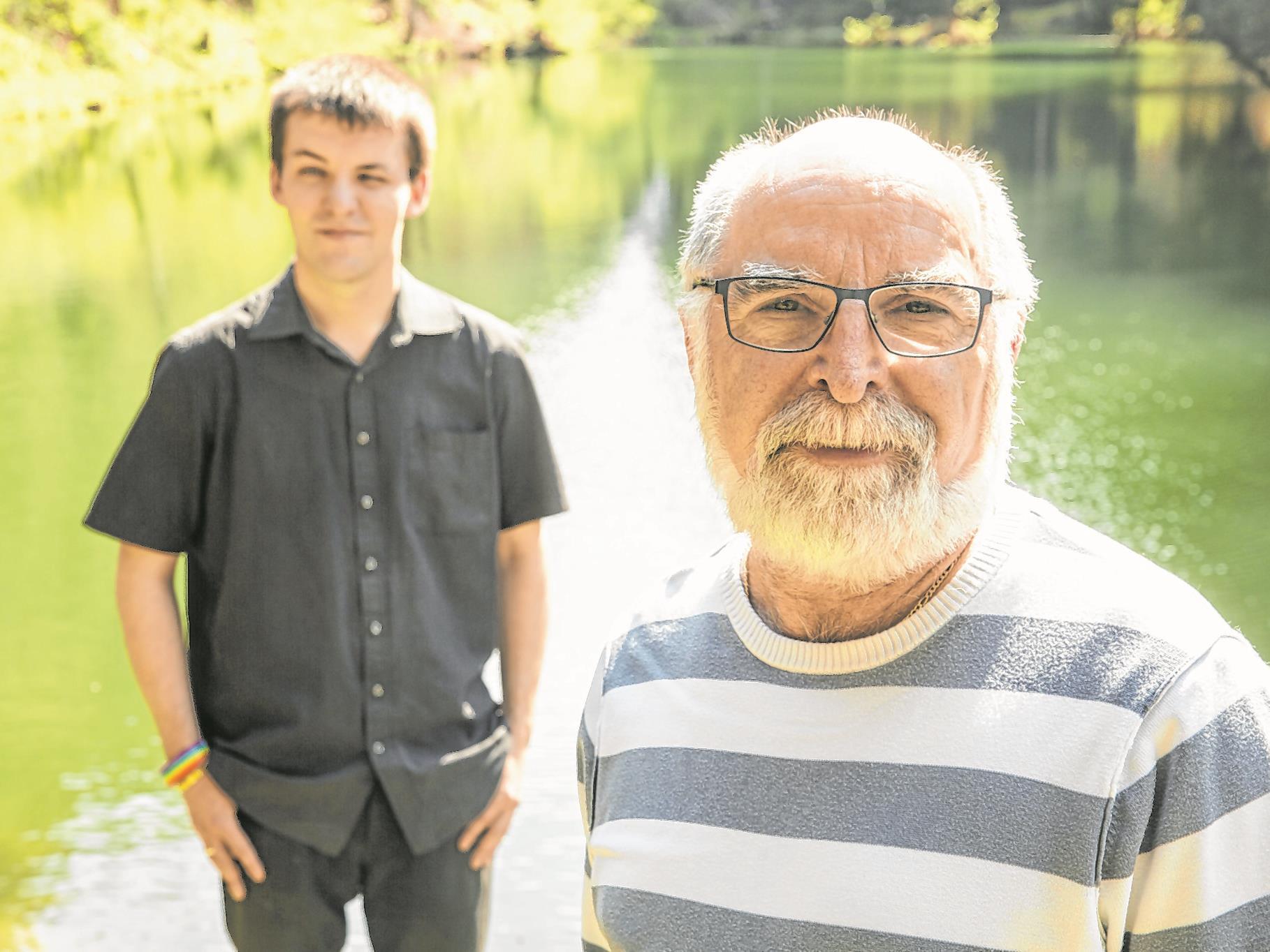 Günther (links) und Josef lernten sich online kennen und leben seit 2014 in einer eingetragenen Partnerschaft.