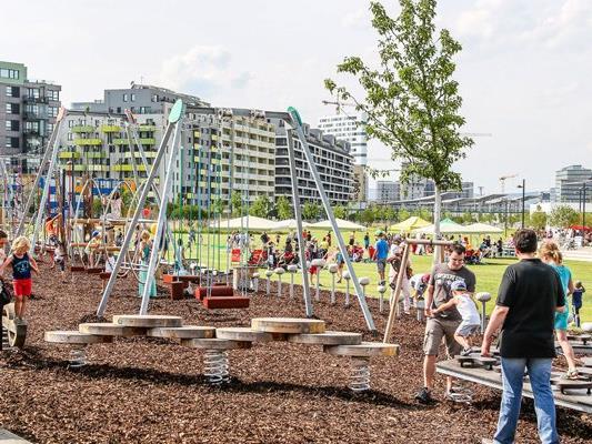 Die Motorikparks in Wien sind für jede Altersgruppe ein Fitness-Center im Freien.