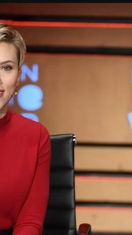 Auch Scarlett Johansson trägt den Pixie Cut.