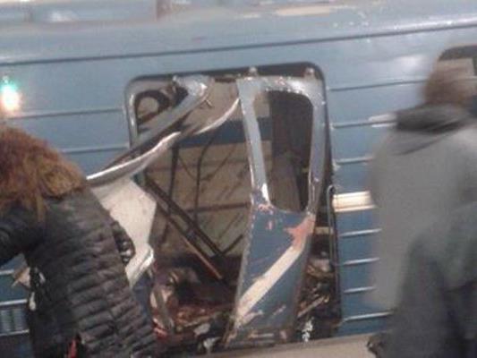 Explosion in U-Bahn von St. Petersburg-