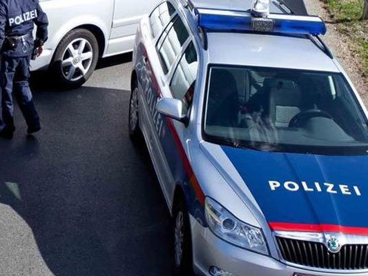 Die Frau wurde bei dem Unfall verletzt.