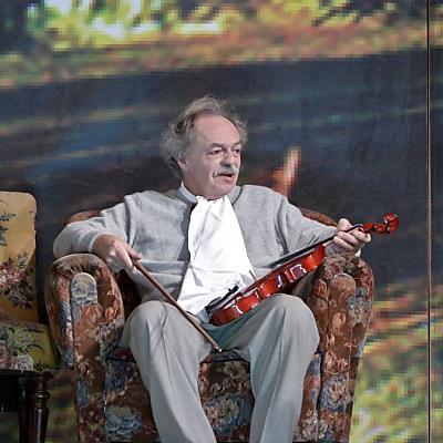 Frieb war ab 1992 im Volkstheater zu sehen