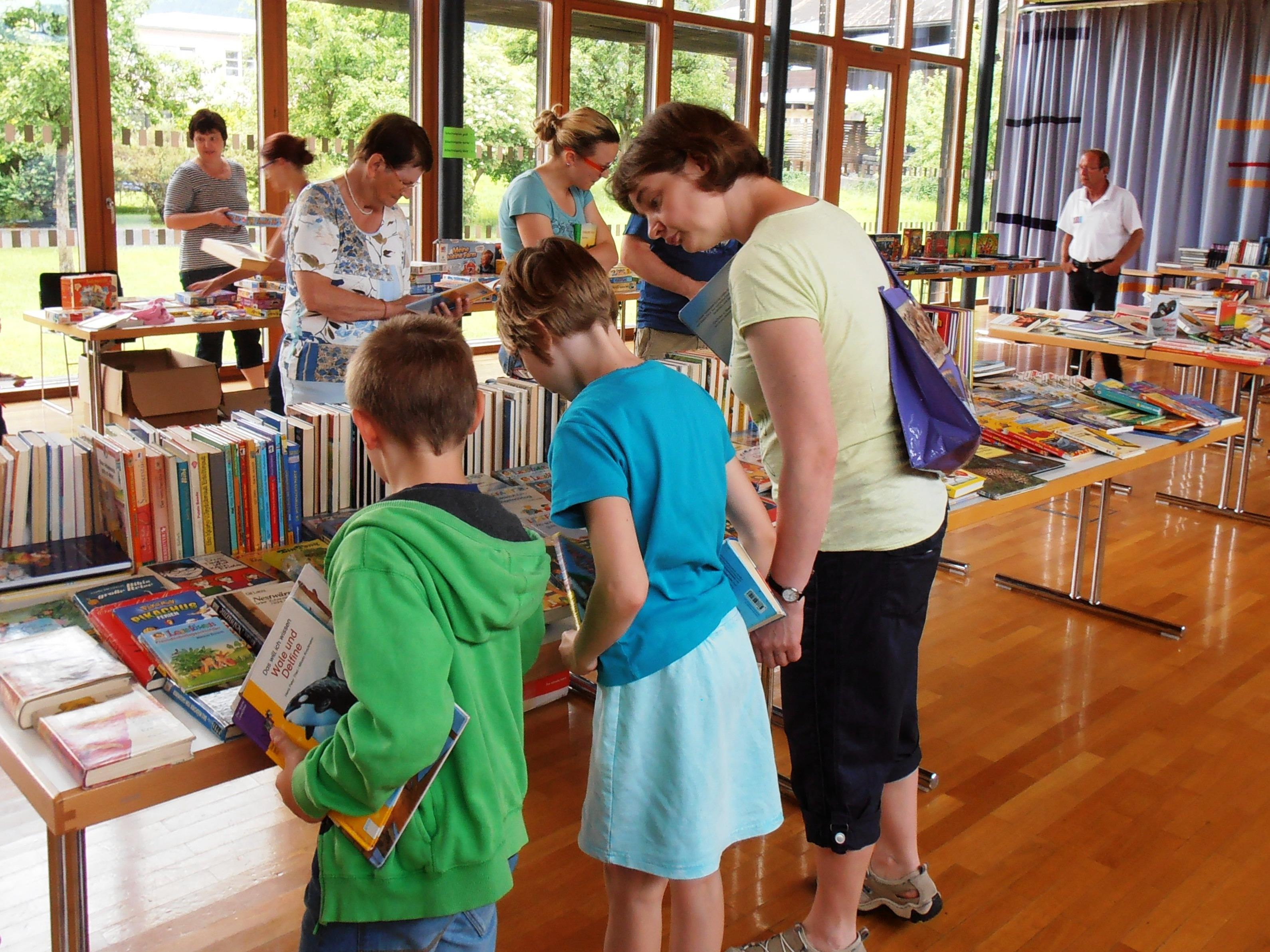 Flohmarkt für Bücher, Schachtelspiele, Puzzles und vieles mehr am 10. Juni in Nenzing.