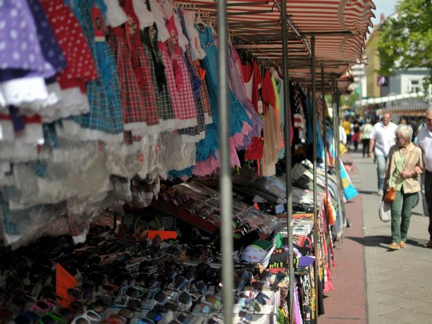 Es wird zum Marktfest auf die Meidlinger Hauptstraße geladen.