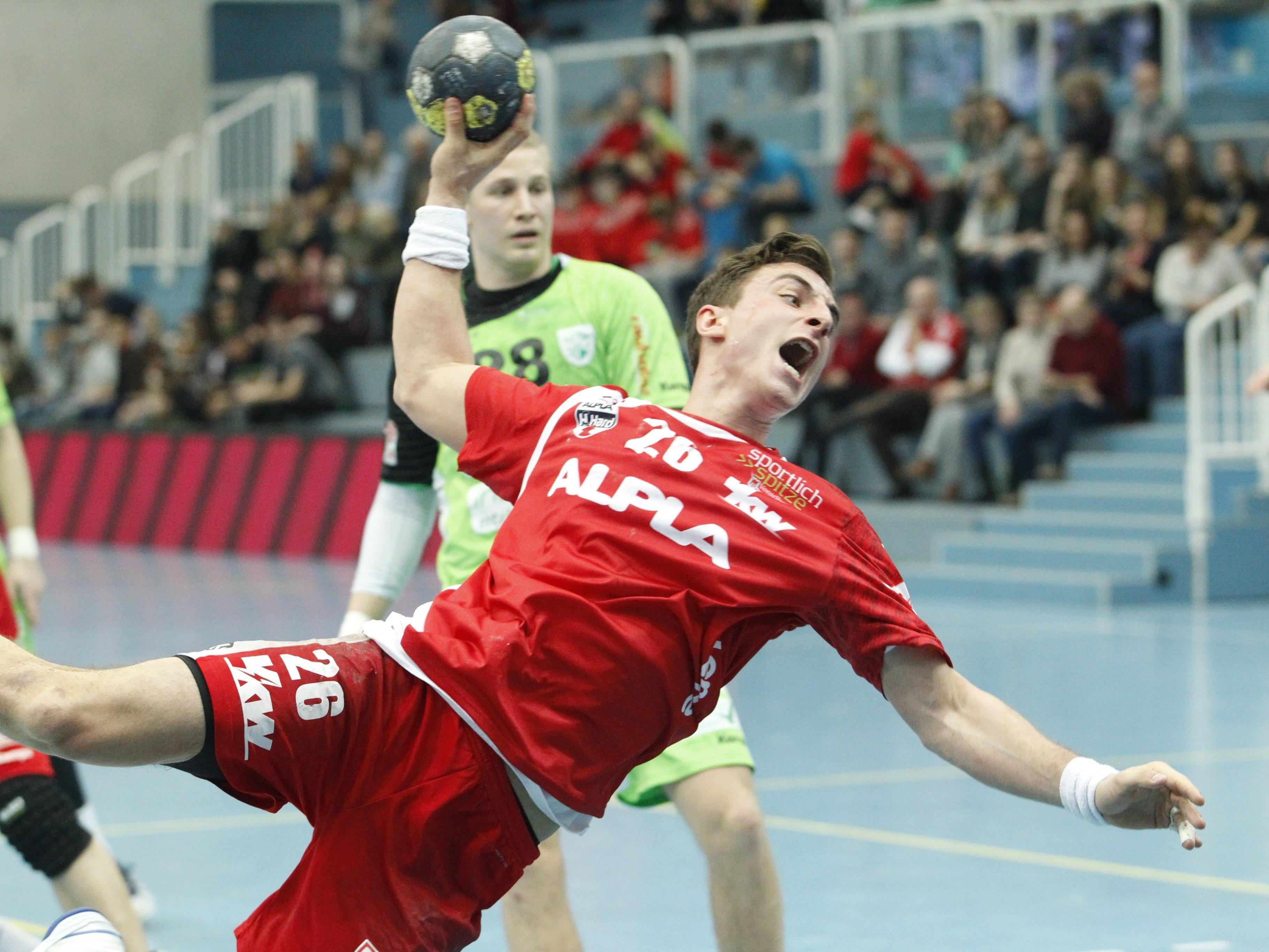 Hard-Kreisläufer Lukas Herburger legt sich voll ins Zeug.