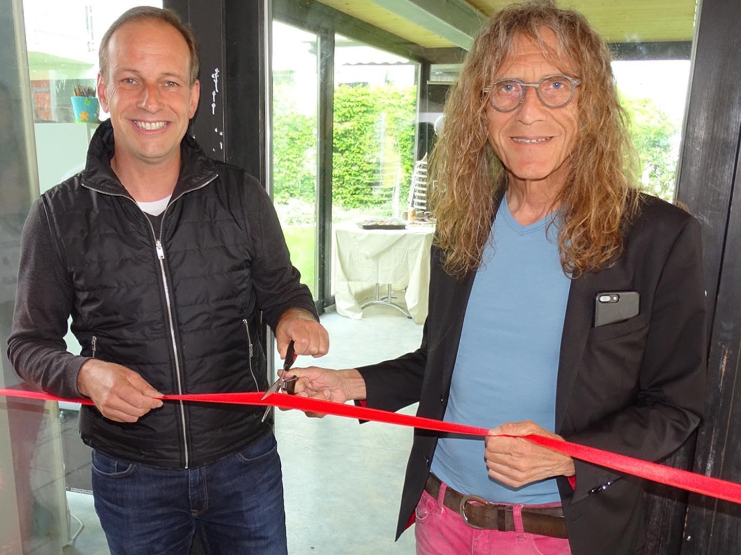 Bgm. Dieter Egger und Vize-Bgm. Bernhard Amann eröffneten den Gemeinschaftsraum.