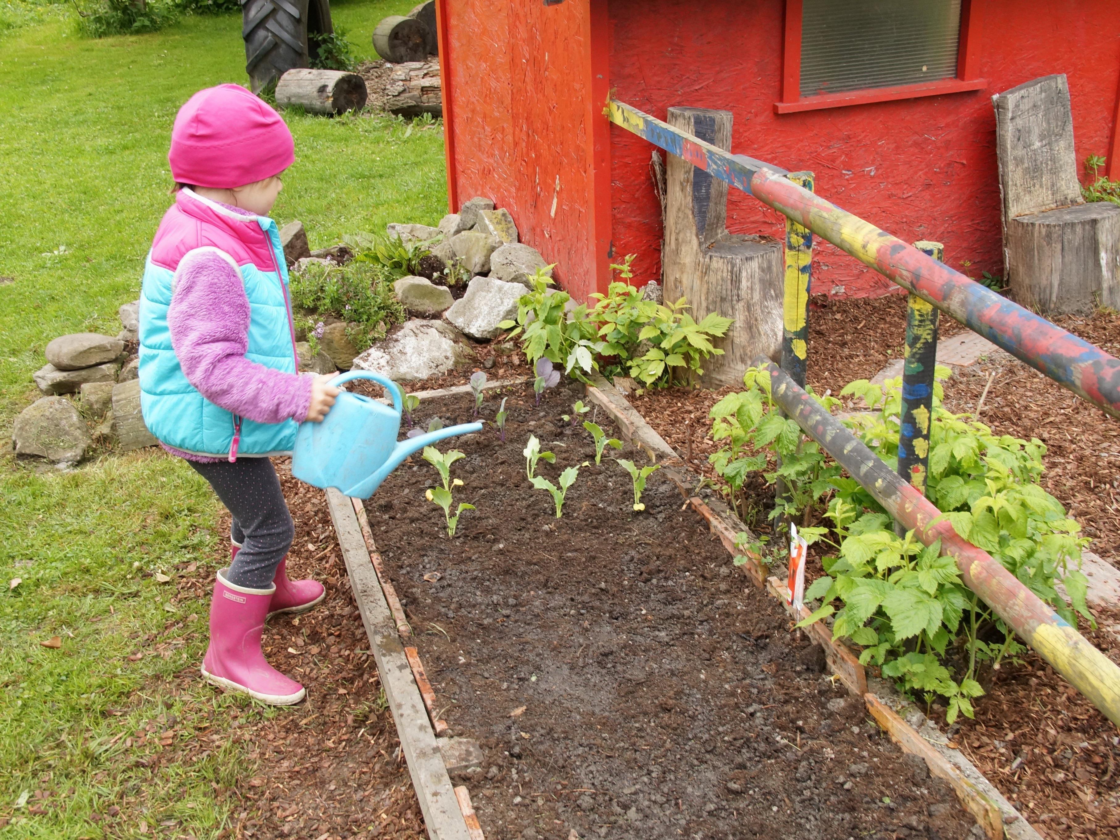 Frühjahrs-Garten-Putz in der Kinderstube