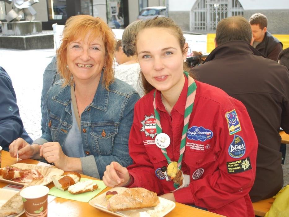 Zahlreiche Köstlichkeiten wurden von den Pfadis am Samstag Vormittag angeboten.