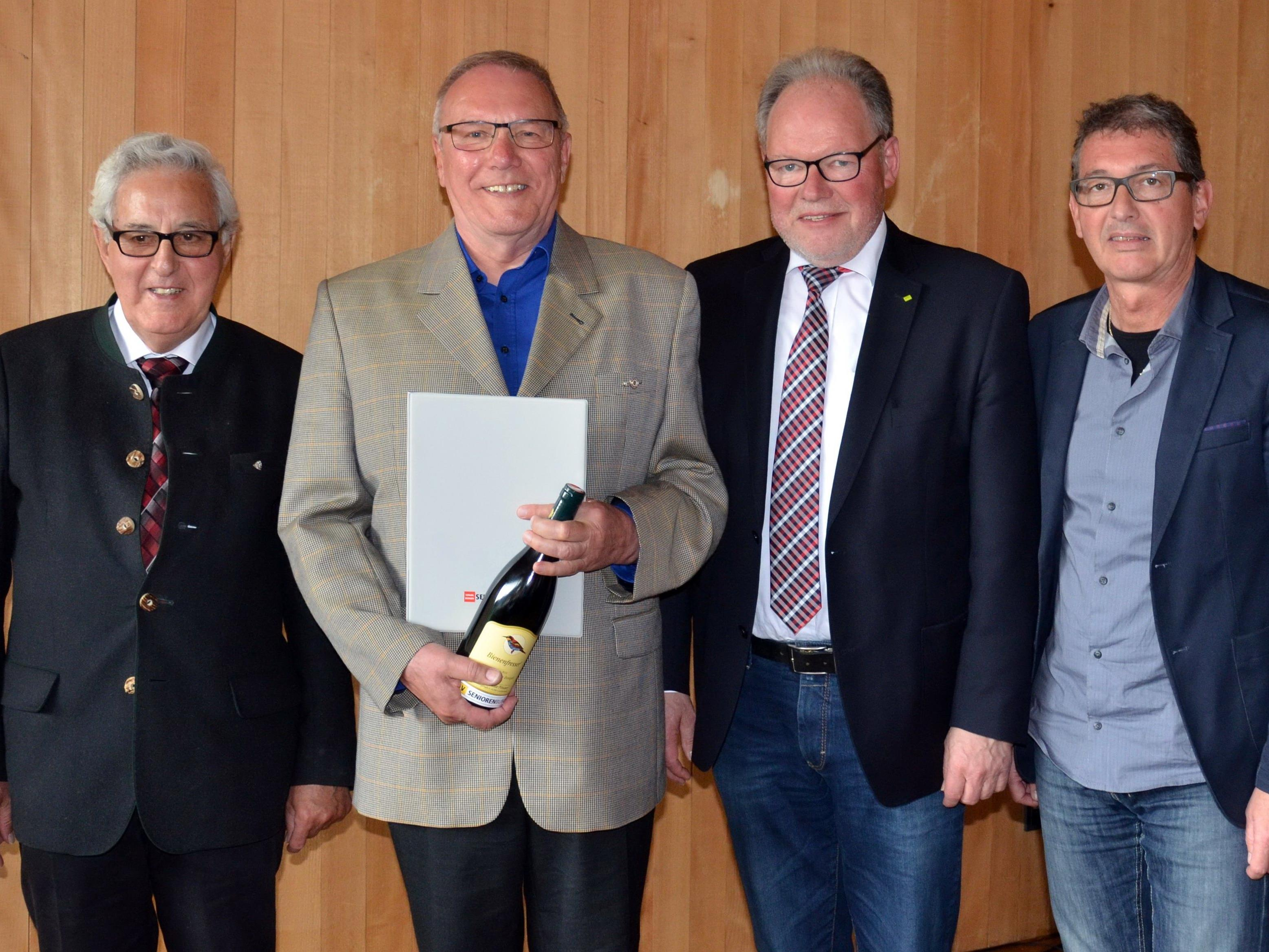 v.l.Ehrenobmann Gotfried Feuerstein, Obmann Elmar Hepp, Landesobmann Werner Huber, Geschäftsführer Franz Himmer