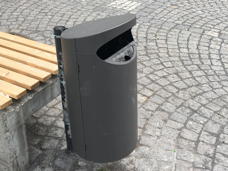 Zwei Modelle dieses Mülleimers werden aktuell in der Innenstadt in der Praxis ausgiebig getestet.