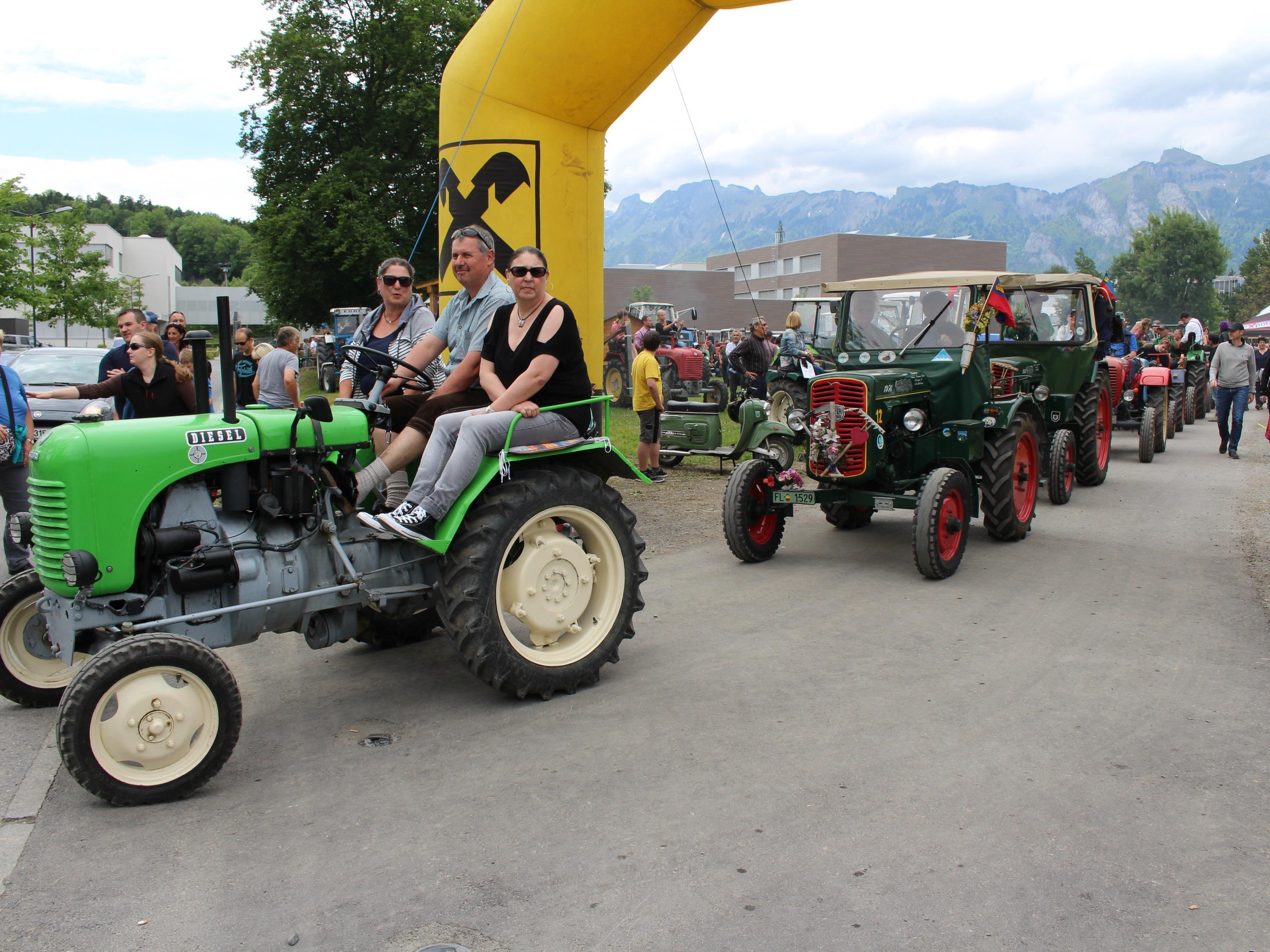 Großes Traktortreffen des Oldtimer Traktorclubs Montfort in Gisingen
