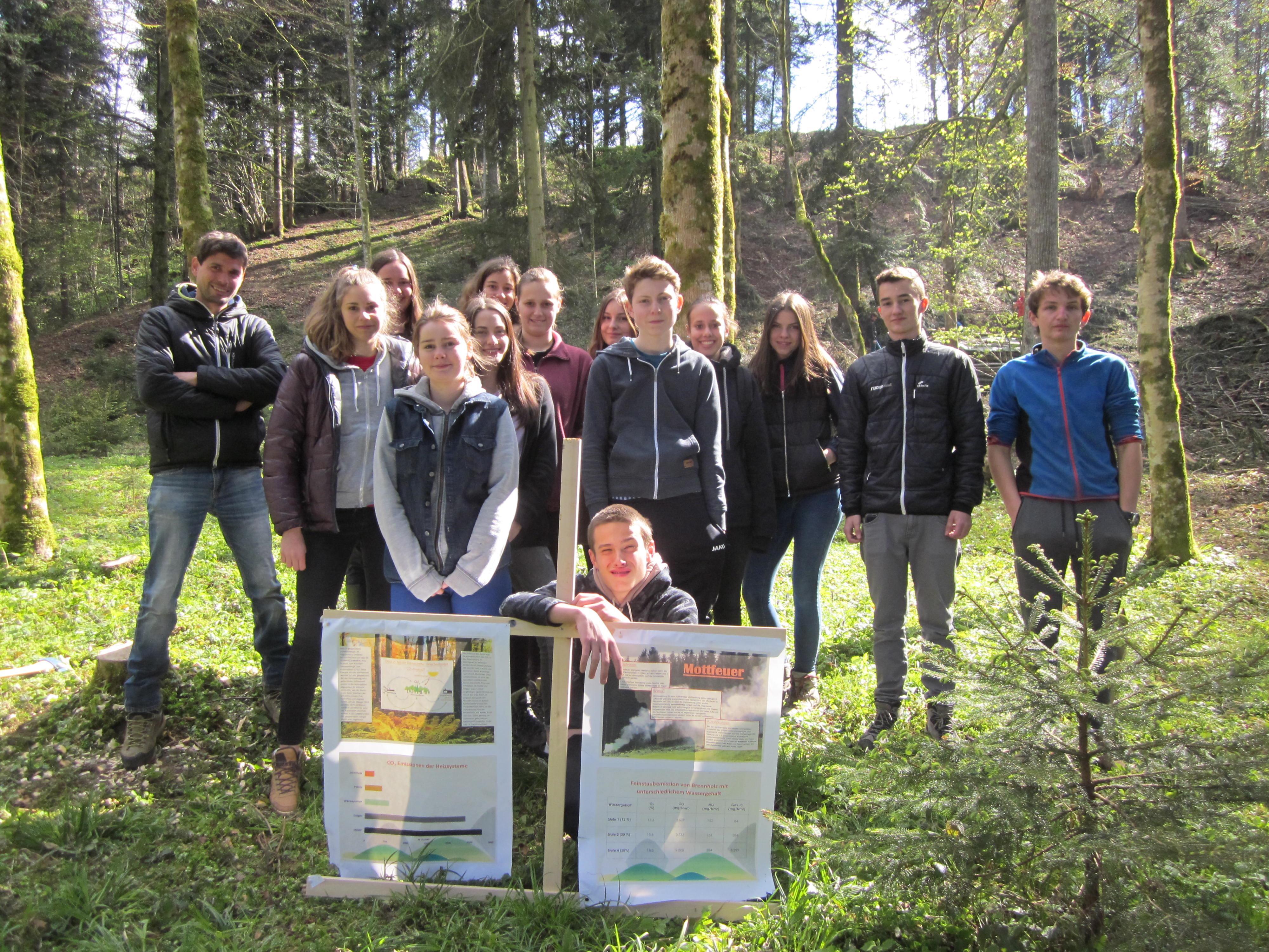 Die negativen Auswirkungen von Mottfeuern aufzuzeigen, war ein Schwerpunkt der Aktionen zum Thema Wald.