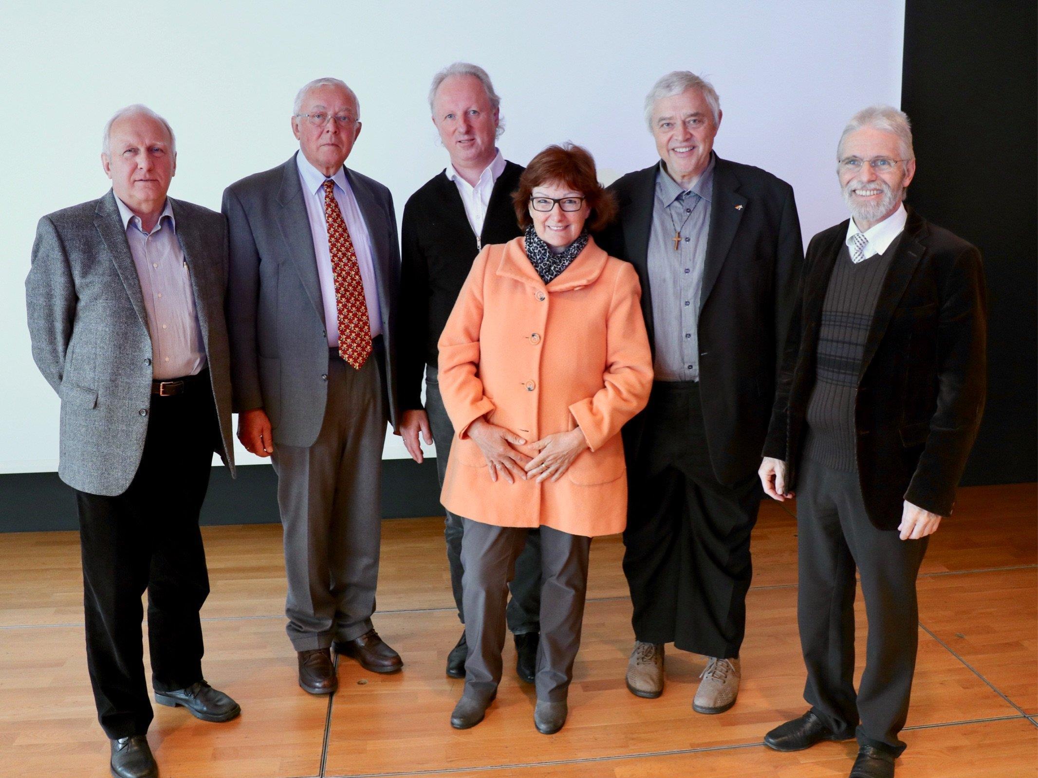 Das Orgelteam hofft auf einen baldigen Startschuss: DI Markus Aberer, Dr. Heinz Fritzsche,  Bernhard Loss, Vikar Stefan Biondi, Angelika Egel (PKR), Pfarrer Werner Witwer.