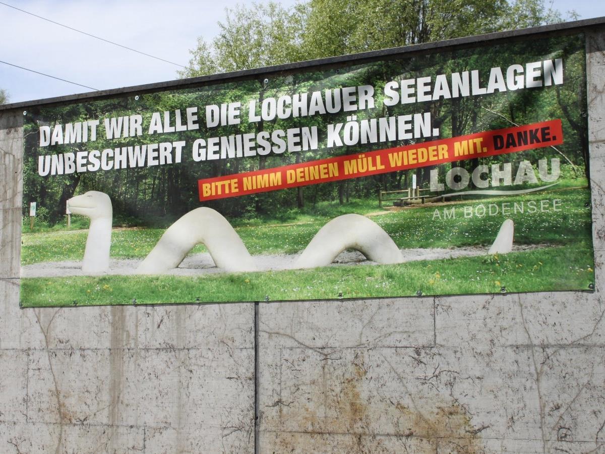 Mit einer Transparente-Kampagne versuchte die Gemeinde die Freizeitgäste am Lochauer Bodenseeufer verstärkt dazu anregen, ihren Müll wieder mitzunehmen.