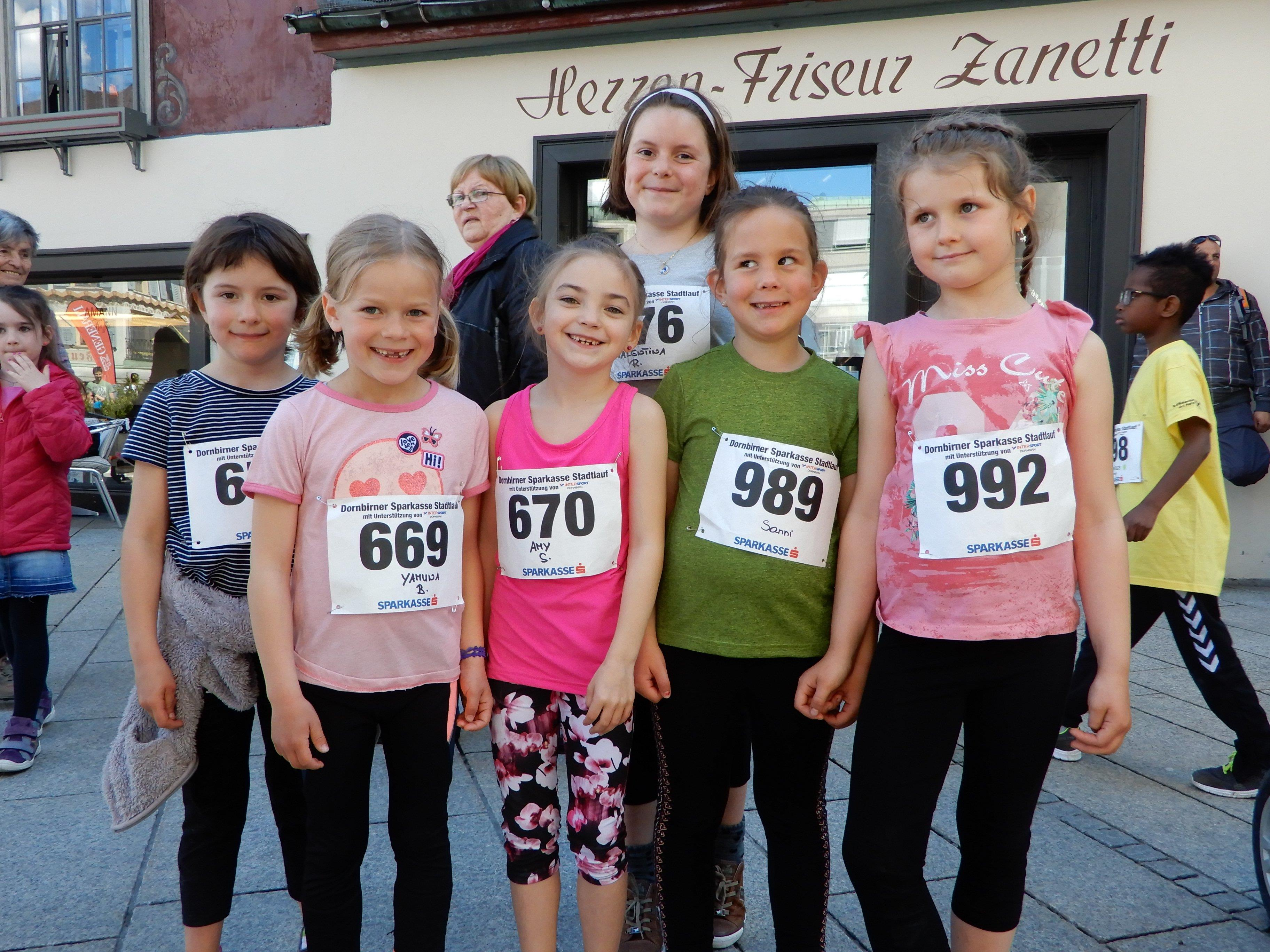 Bereit für den 19. Dornbirner Stadtlauf - die VS Winsau war trotz kleiner Teilnehmerzahl äußerst erfolgreich.