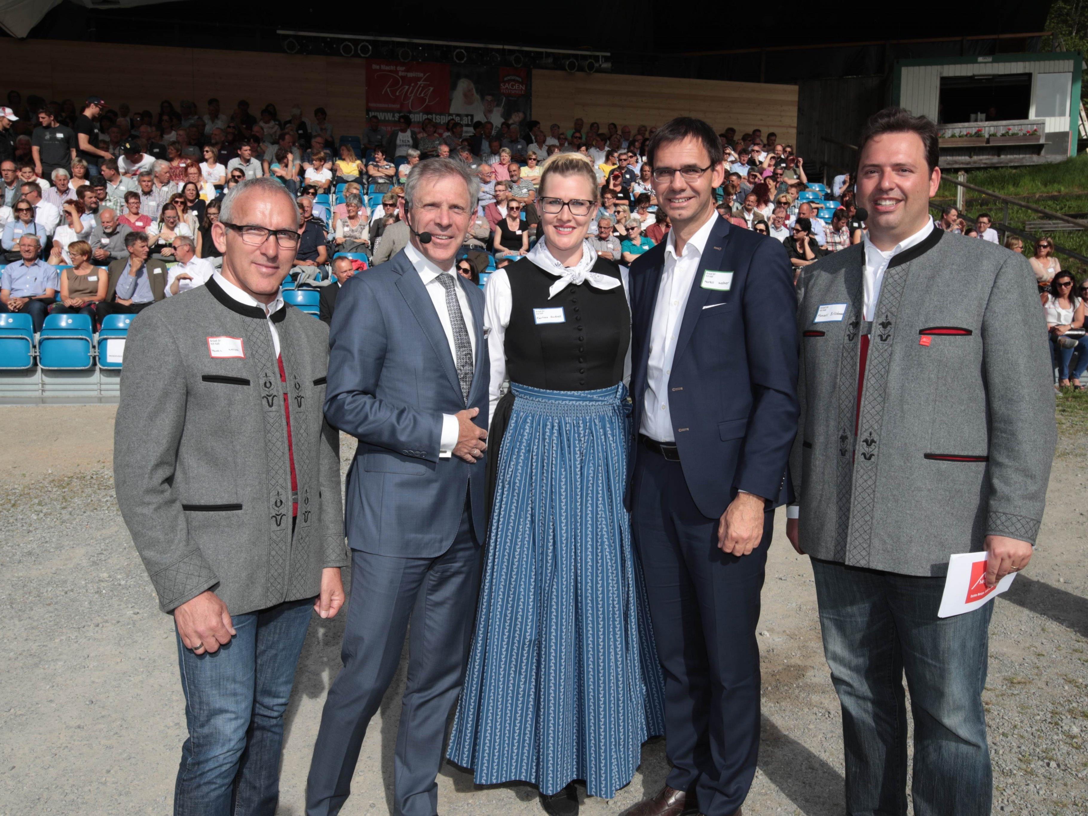 Bgm. Martin Netzer, Referent Christoph Engl, Martina Zudrell,LH Markus Wallner und Manuel Bitschnau.