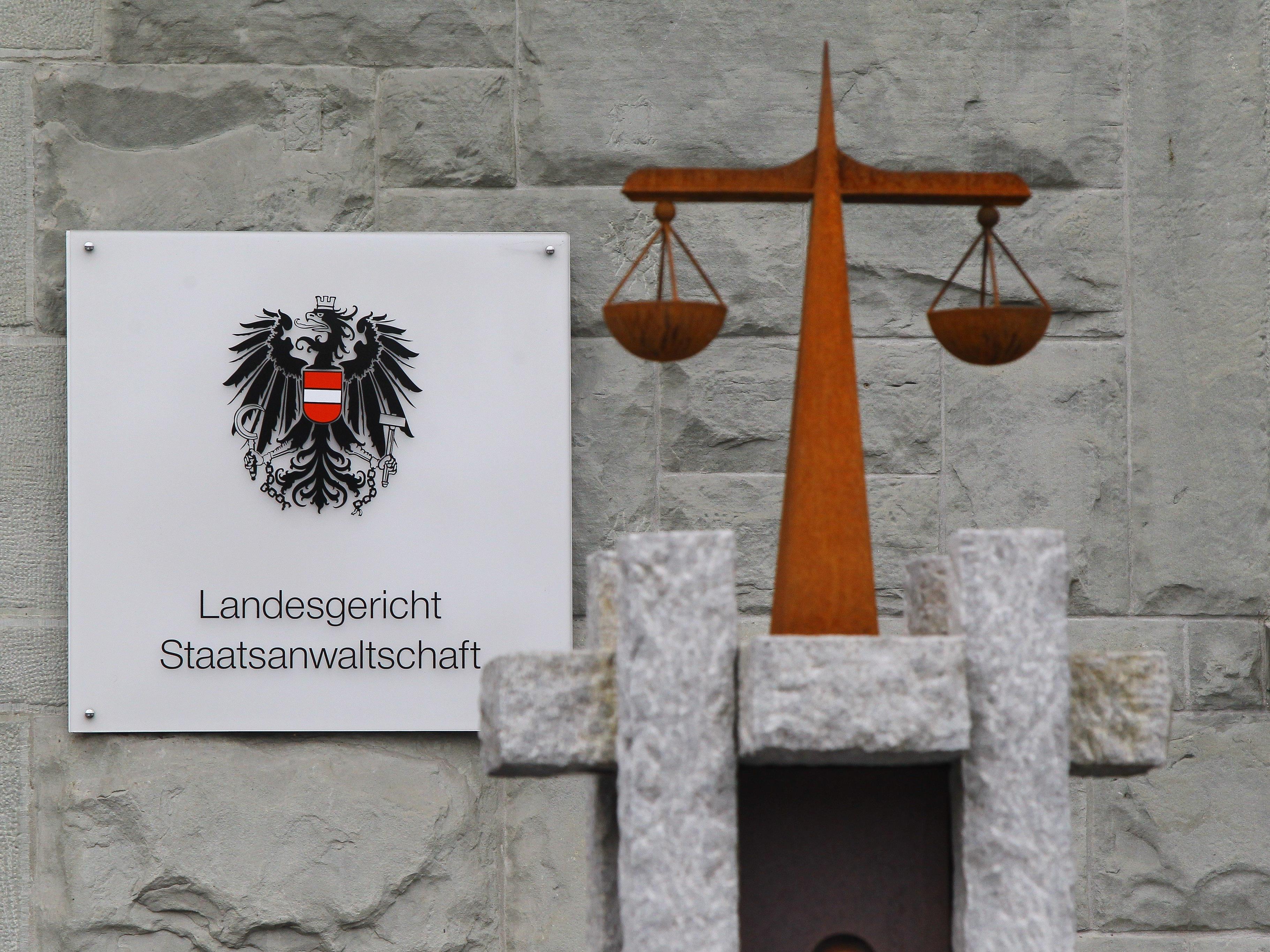 Bruder-Streit um Darlehen beschäftigt das Landesgericht Feldkirch.