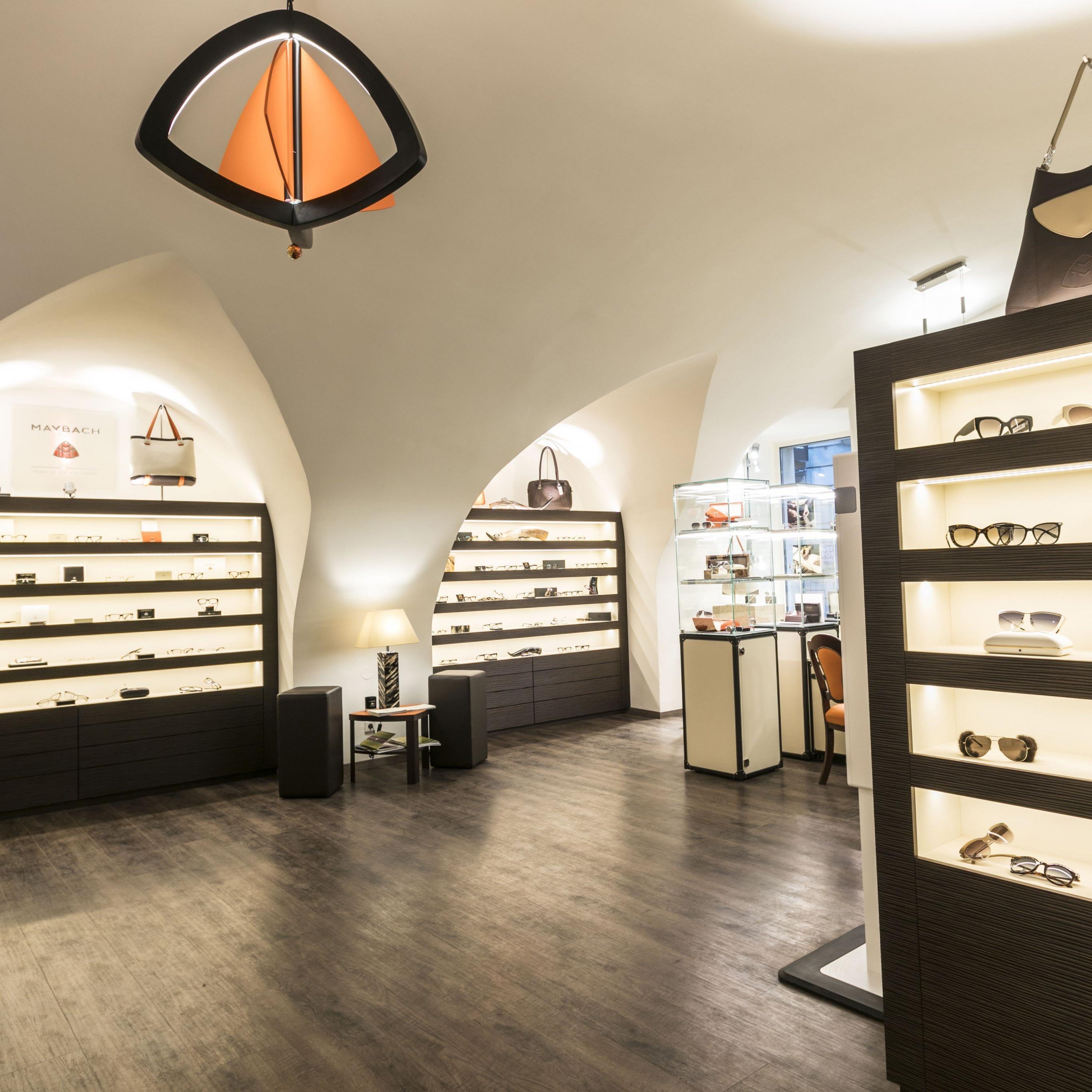 Ein Blick in den neuen Maybach Flagship-Store in Wien