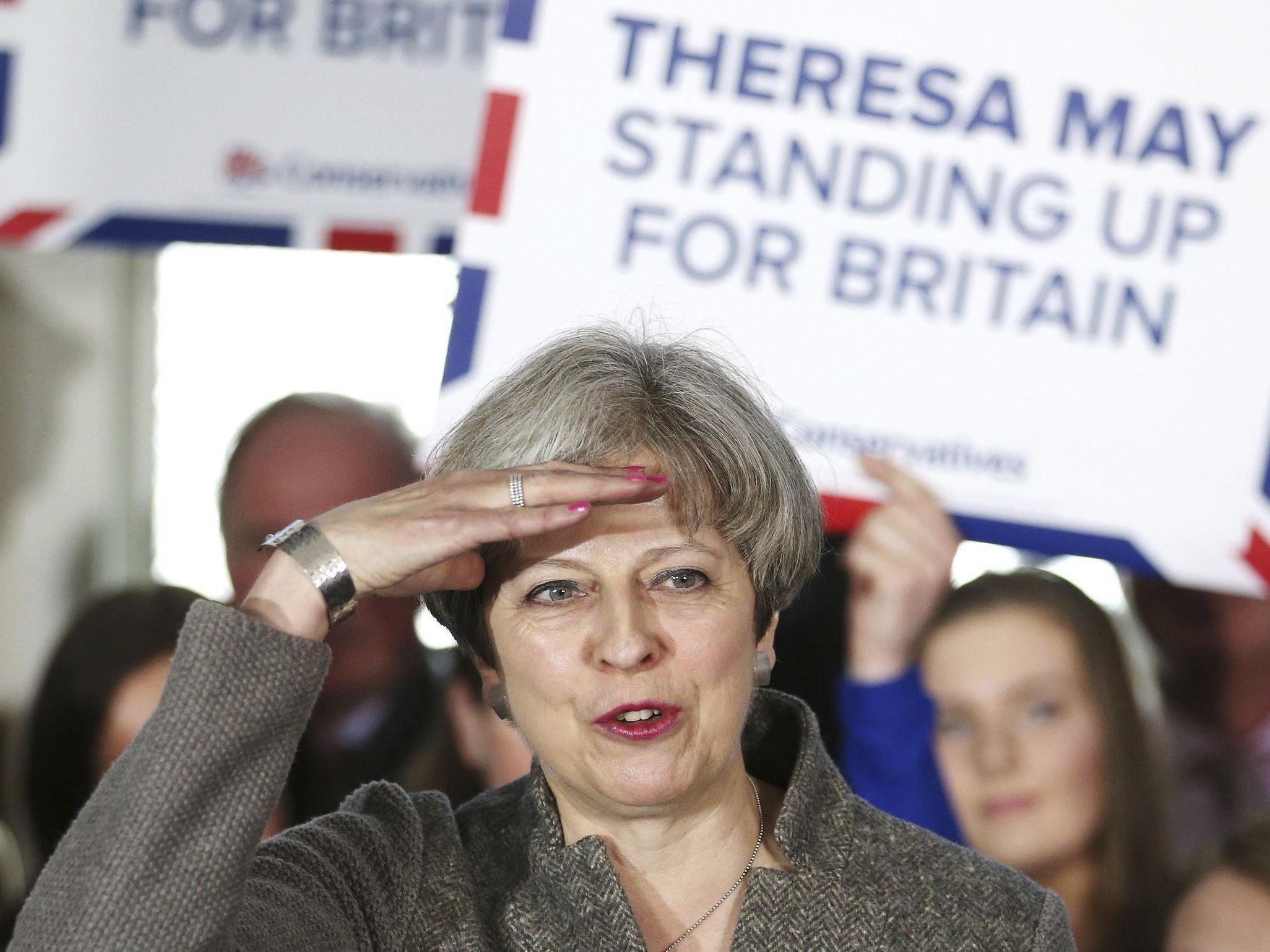 Premierministerin Theresa May lehnt politische Vorgaben der Union ab.