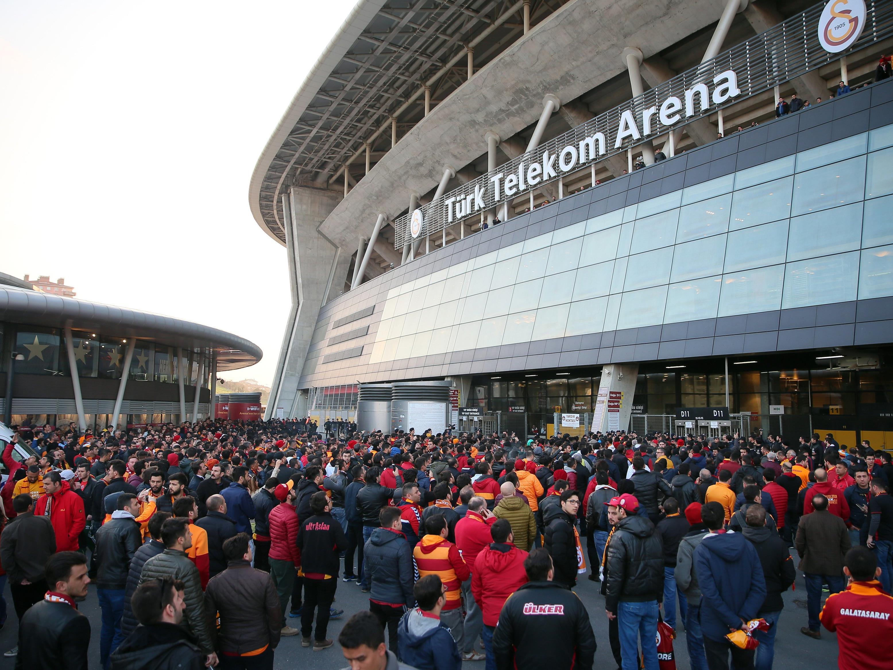 Auch der türkische Fußballverband (TFF) folgte der Aufforderung und passte auf seiner Webseite die Namen von mehreren Spielstätten an.