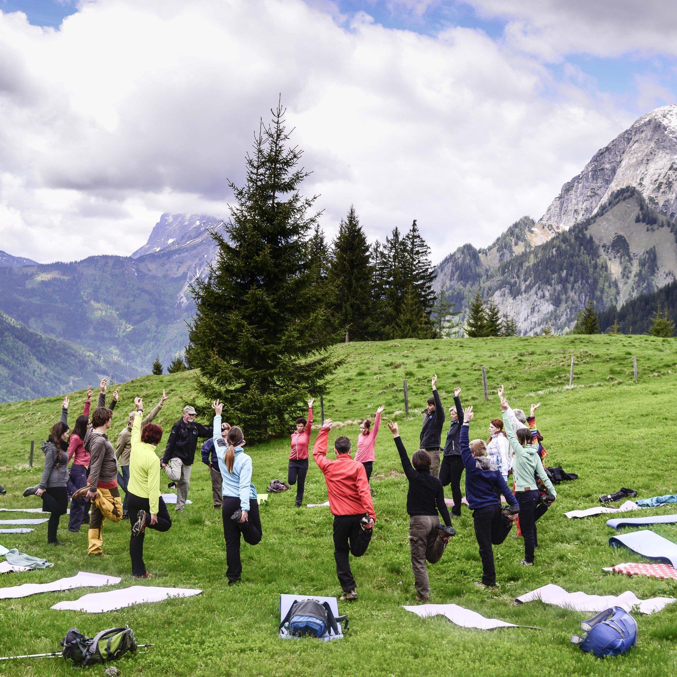 Yoga bei der Wanderung durch den Nationalpark Gesäuse