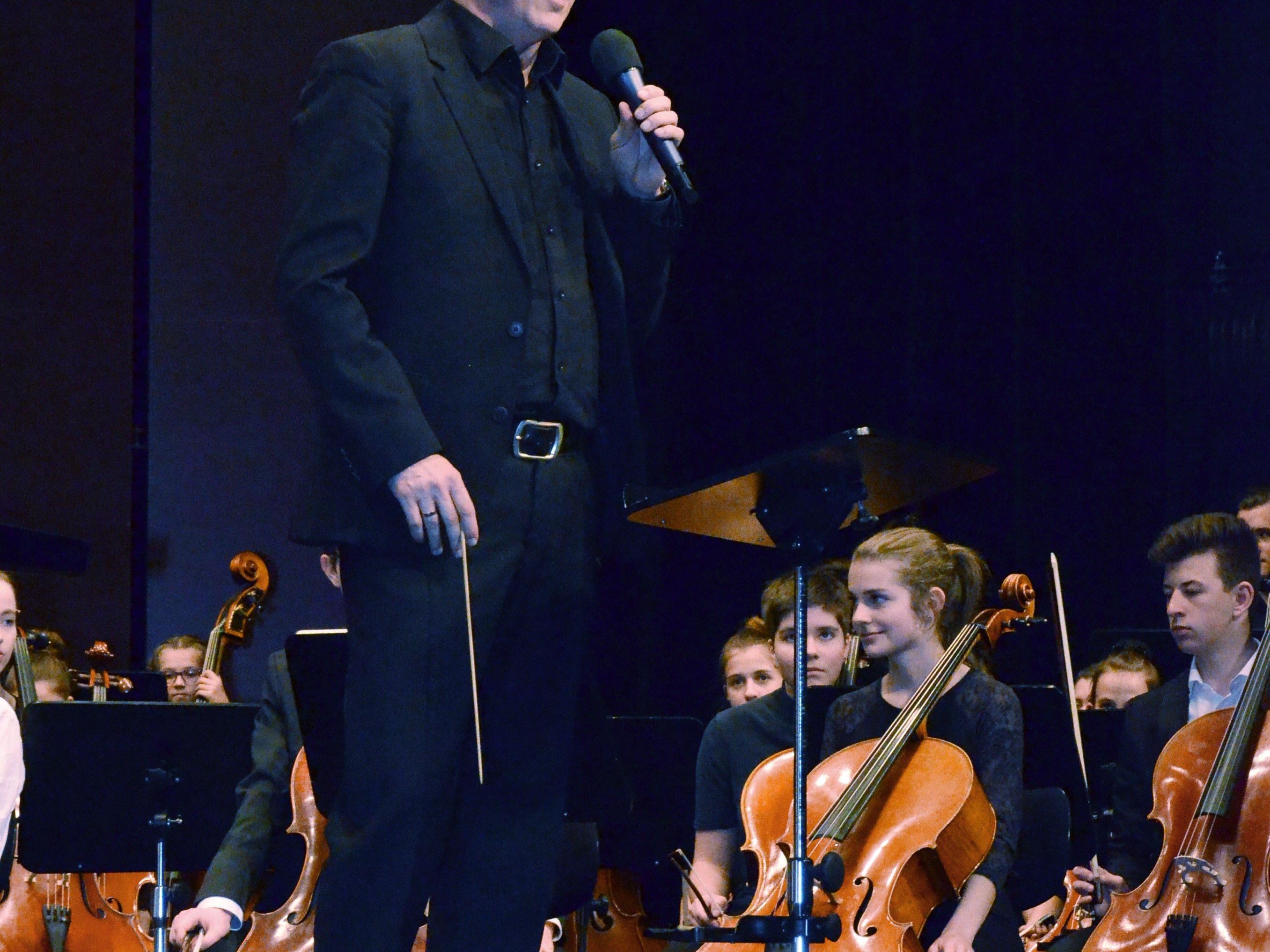 Ivo Warenitsch dirigierte das Jugendsinfonieorchester.