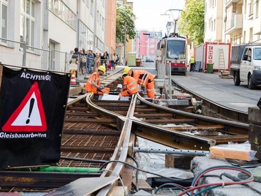 Gleisbauarbeiten können zu Einschränkungen im Fahrbetrieb führen.