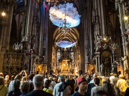 Lichtinstallation bei der Langen Nacht der Kirchen 2016.