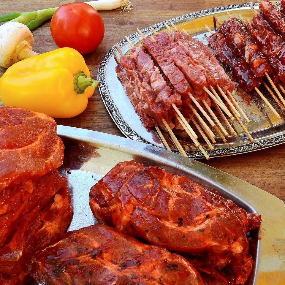 Tipps und Tricks zum Marinieren von Grillfleisch.