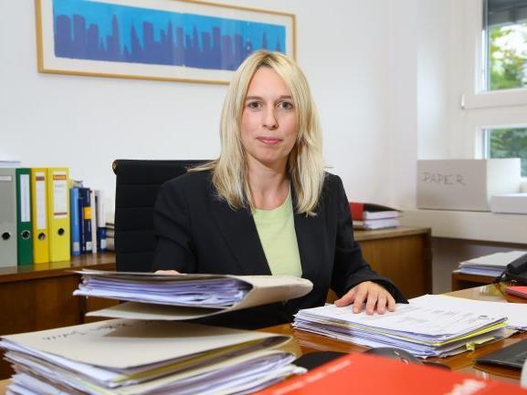Rechtsanwältin Astrid Nagel verteidigt den 28-jährigen Pakistaner.