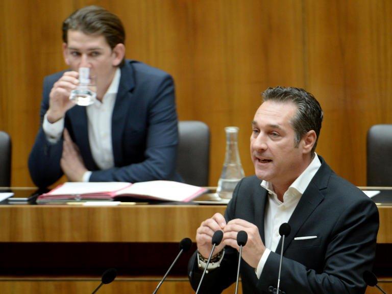 """Strache teilt auf Facebook aus: """"Kurz geht politisch über Leichen"""""""