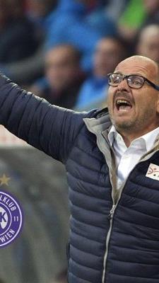 Trainer Martin Scherb peilt mit seinen Mannen die Europa League an.
