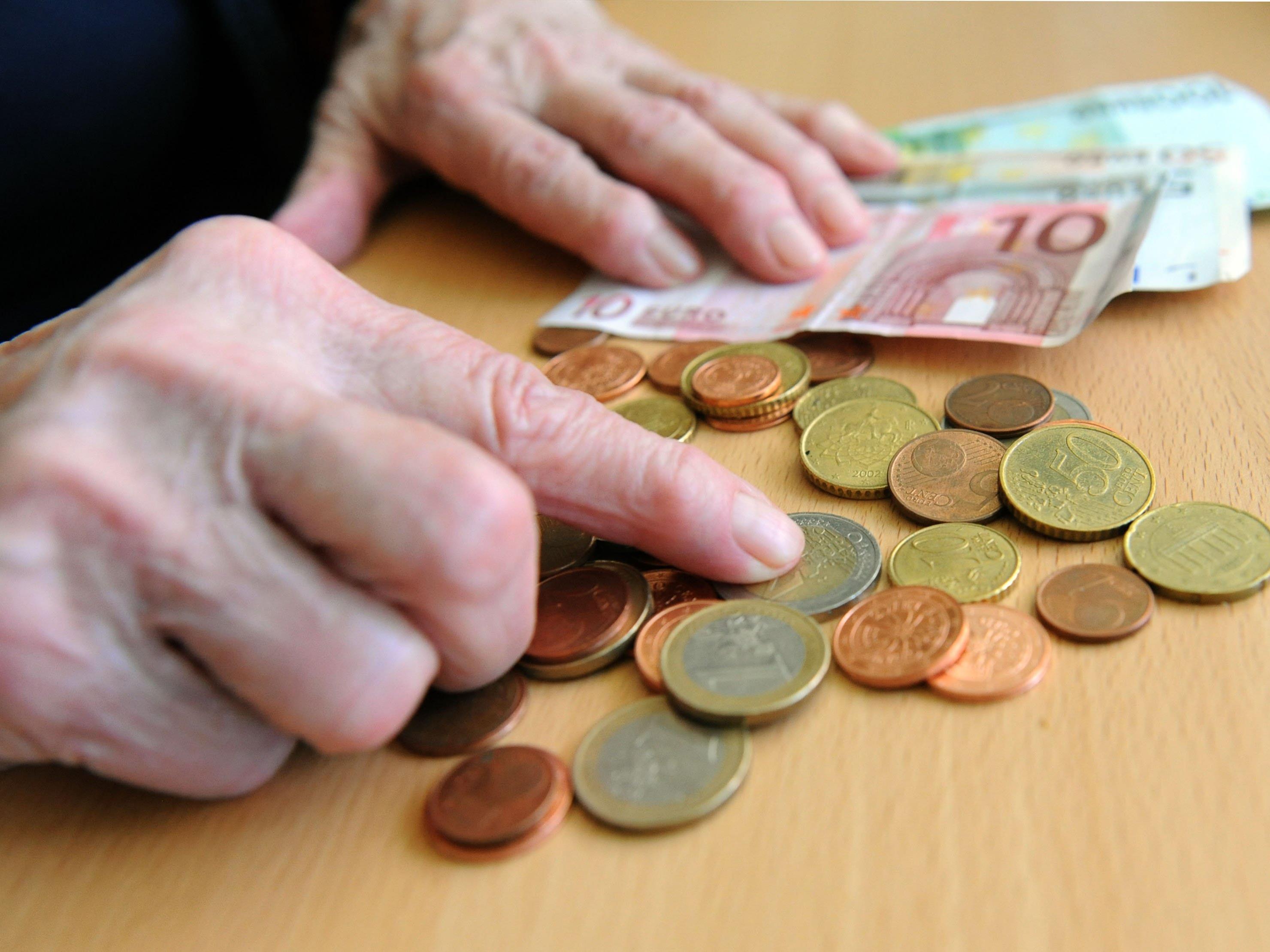 Die ÖVP fordert höhere Pensionen für Frauen der ersten Nachkriegsgeneration, die in den nächsten Jahren in Pension gehen.