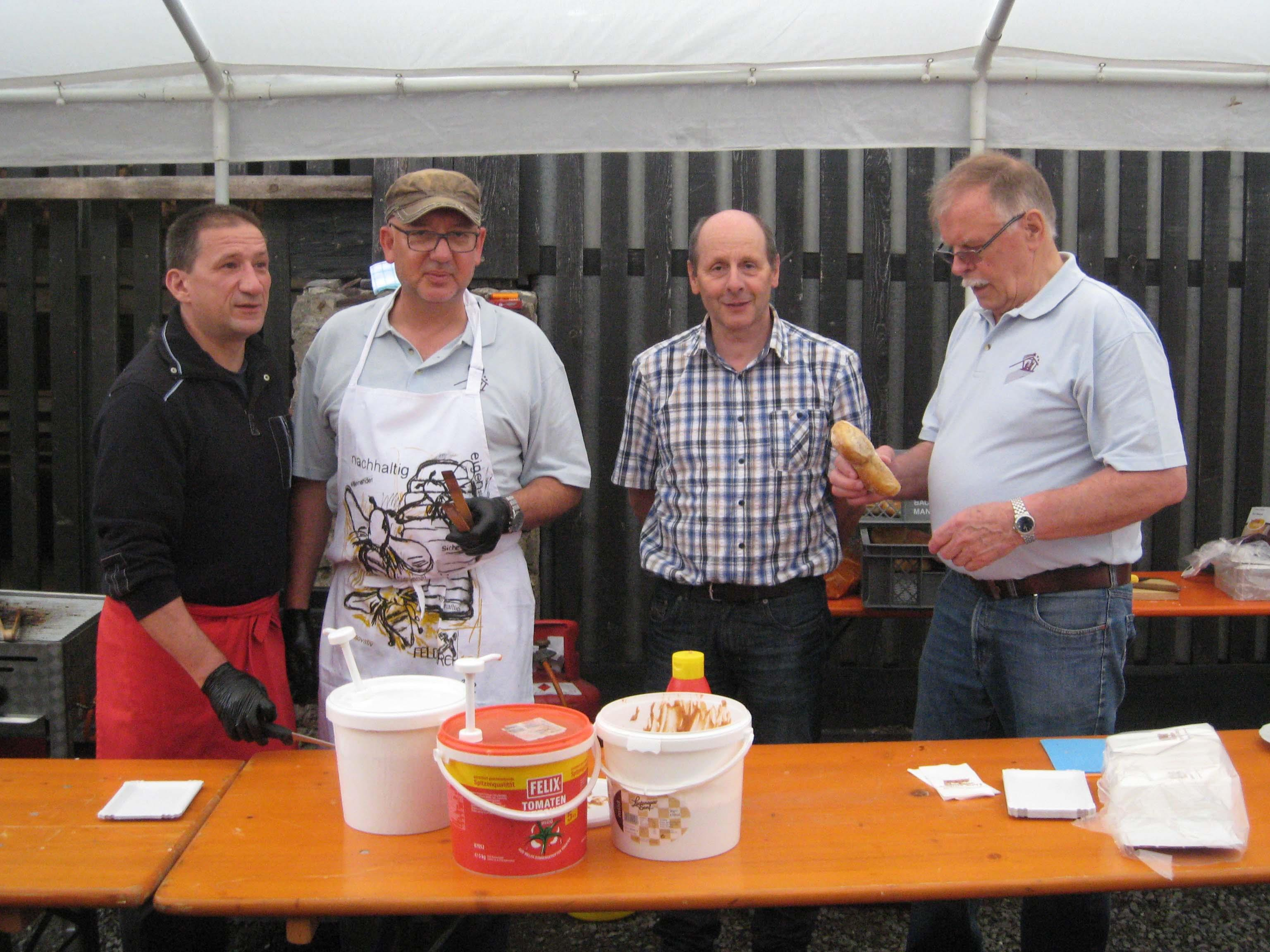 Wetterunglück beim Frühschoppen des Krippenvereins Altenstadt.