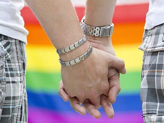 """""""Ehe für alle"""" - offenbar ein Reizthema"""