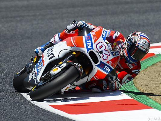 Der Italiener gibt auf seiner Ducati das Tempo vor