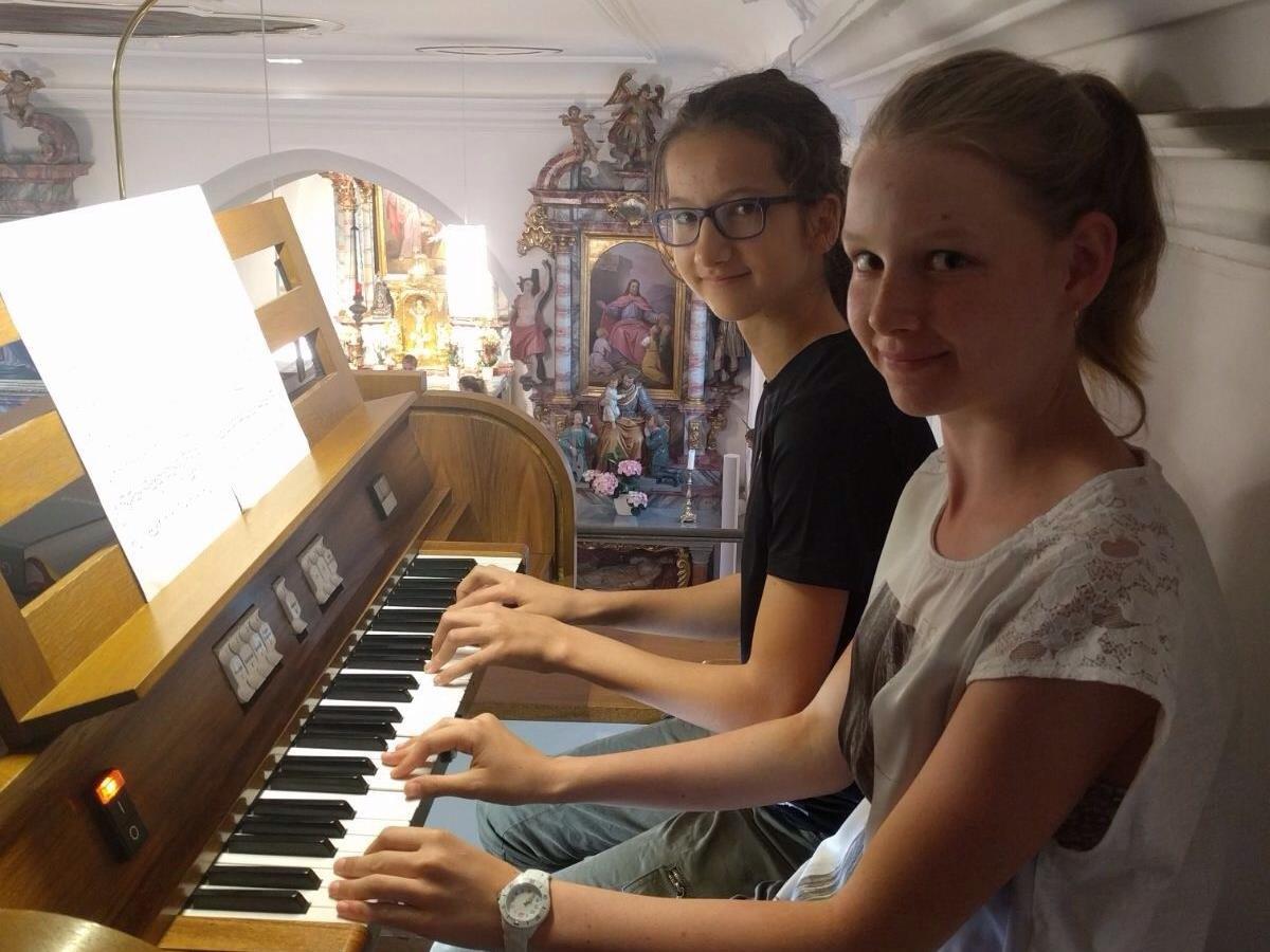 Orgelschülerinnen der Musikschule Rankweil-Vorderland