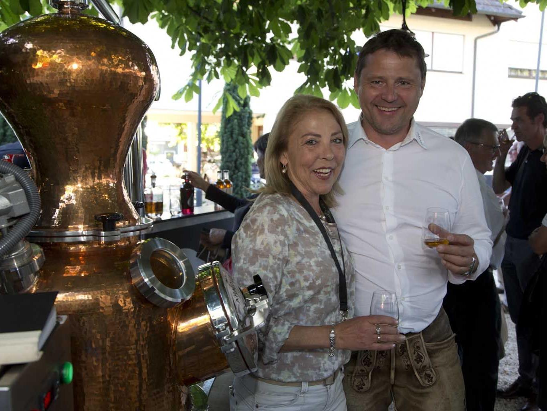 Harald Keckeis (Destillerie Keckeis) war mit seiner mobilen Brennerei zu Gast im Rankweiler Hof.