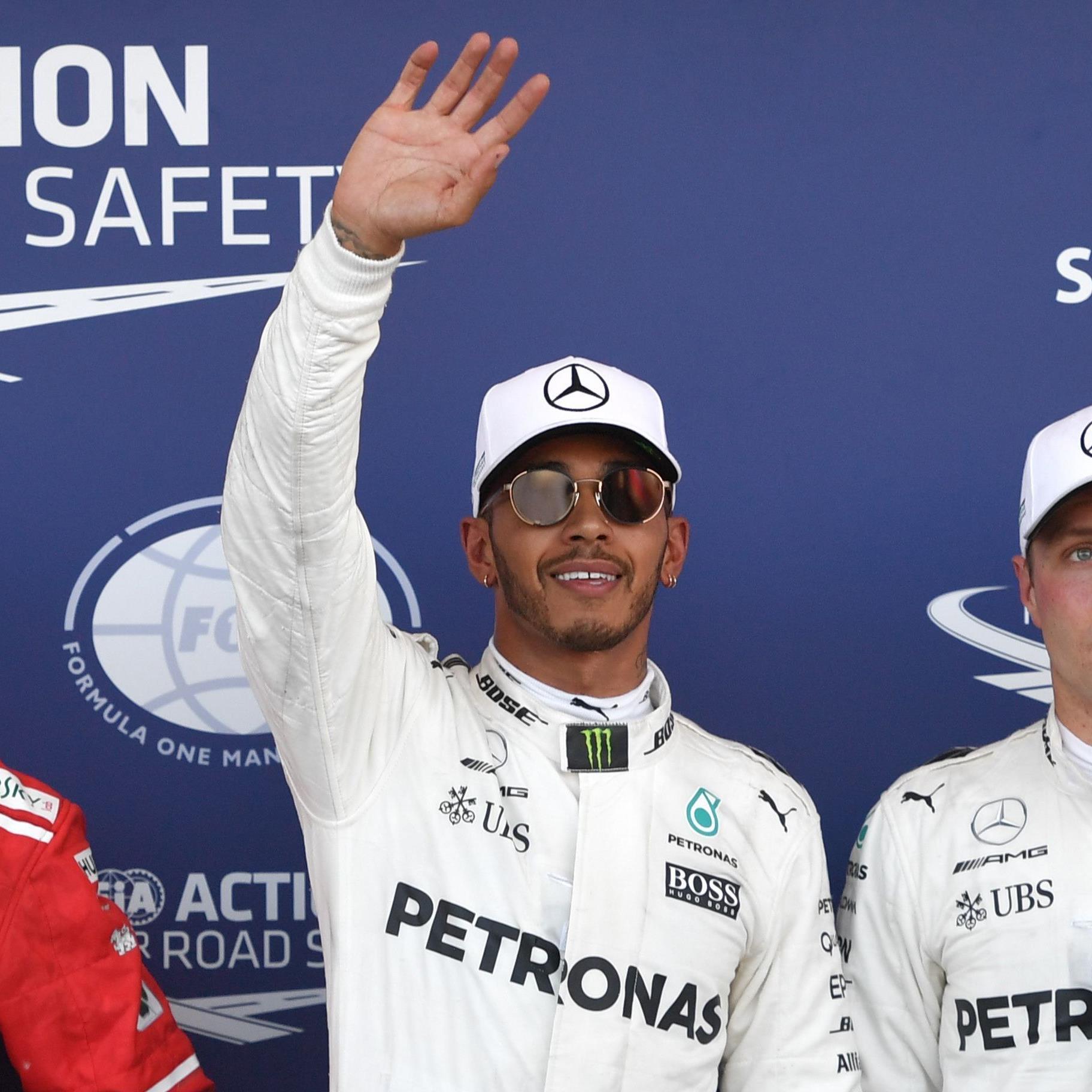 Lewis Hamilton führt die Mercedes-Doppelspitze in Baku an.
