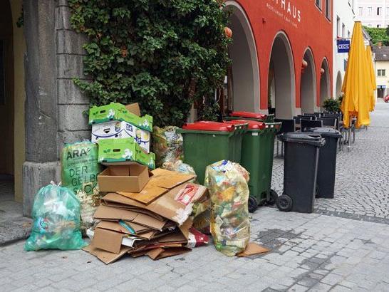 Abfallsammlung in der Innenstadt.