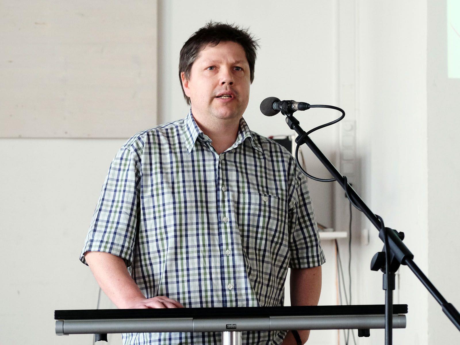 Alexander Alge erklärte die Finanzierung der Heimkosten und die der häuslichen Pflege