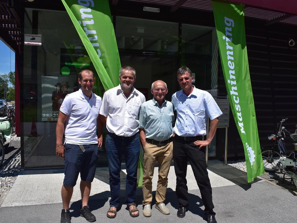 Ing. Christian Marte (Geschäftsführer), Ing. Armin Schwendiger (Obmann), Helmut Hiller (ehem. Obmann vor 10 Jahren) und Ehrenmitglied Heinz Hämmerle (ehem. Geschäftsführer vor 10 Jahren).