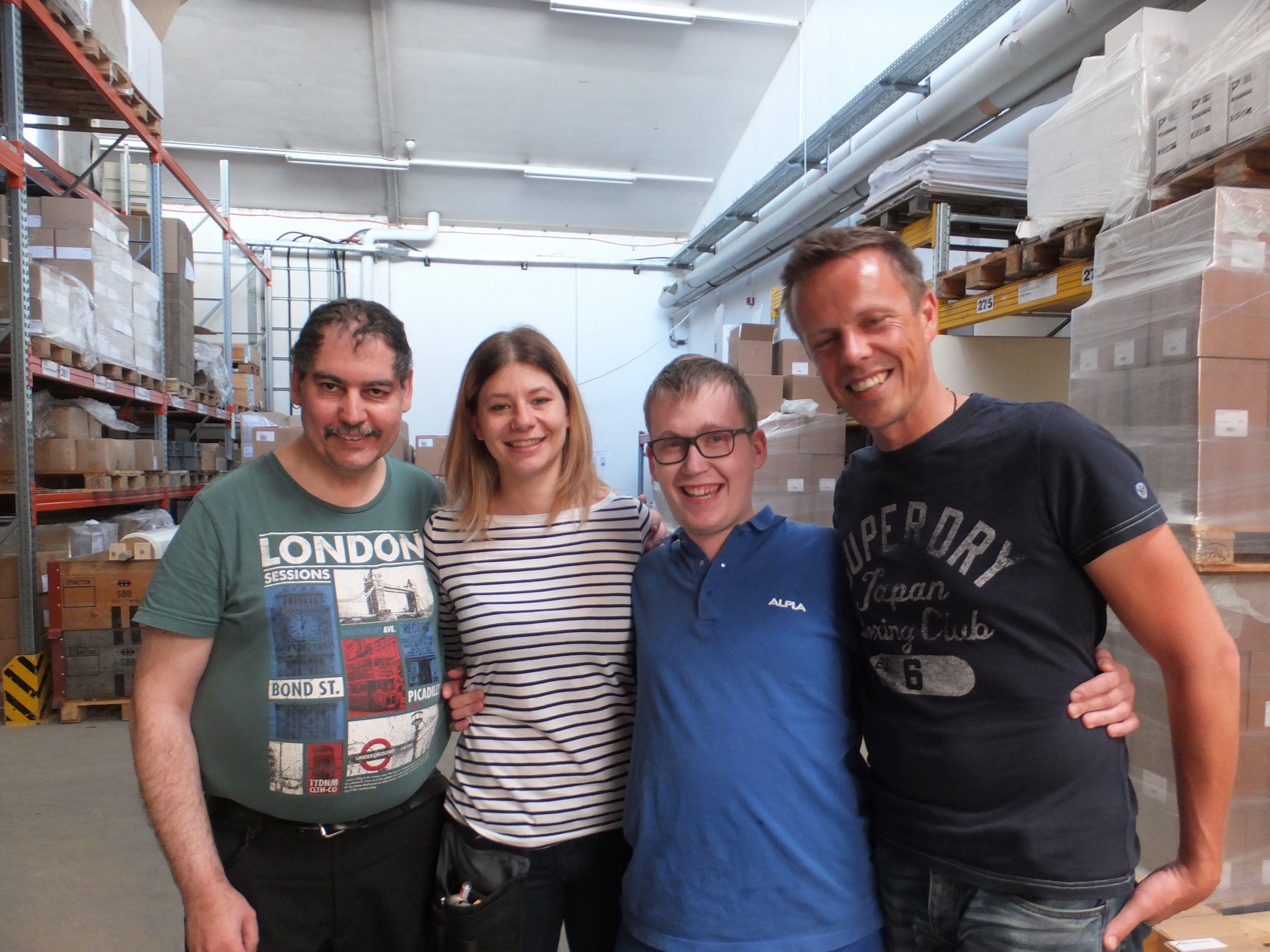 Mario Corona, Carmen Hohenberger, Mathias Grabher mit Michael Geisler in der Fachwerkstätte