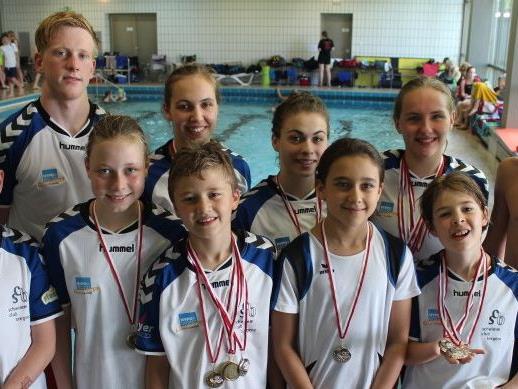 Erfolgreiche SCB Schwimmerinnen und Schwimmer in Memmingen
